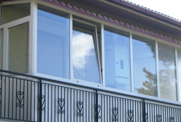 Serramenti zanzariere porte e tettoie insinna serramenti - Verande mobili per balconi ...